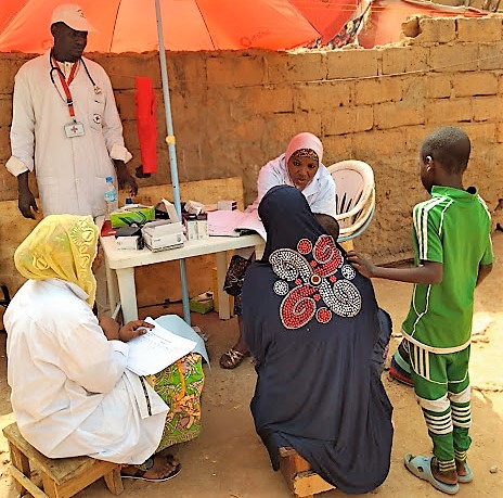 Here, Red Cross Mobile clinic in the migration project AMiRA, Niamey